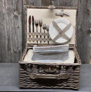 Picknick Koffer gefüllt für 2 Personen mit Lederverschluss