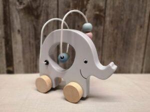 Elefant grau auf Räder