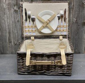 Picknick-Koffer gefüllt für 2 Personen mit Lederverschluss
