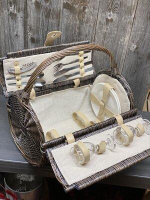 Picknick Korb gefüllt für 2 Personen mit Lederverschluss