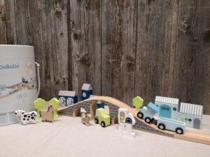 grosses Auto Set mit Autos, Schienen, Tiere, Häuser und Bäume
